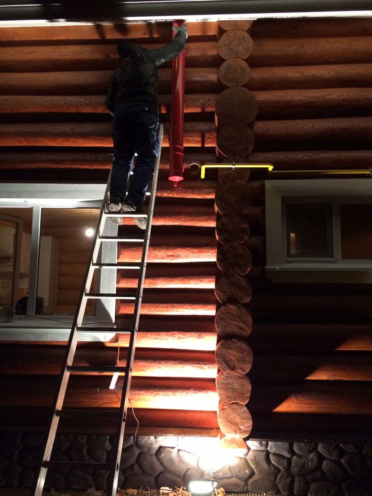 Монтаж вентиляционного канала по фасаду за м.п.